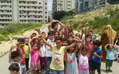 Un sorriso per i bambini dei campi profughi in Libano