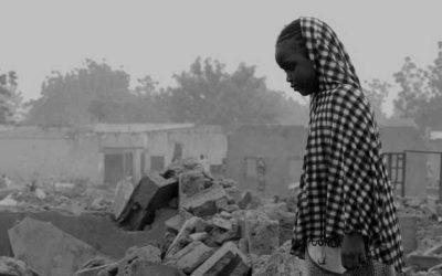 bambina in zona di guerra