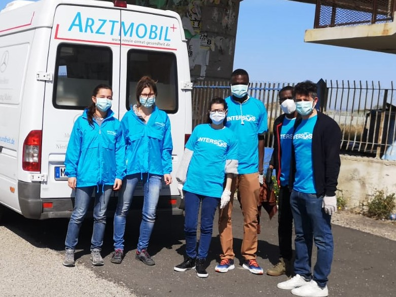 COVID-19: the mobile unit in Calabria to assist the most vulnerables